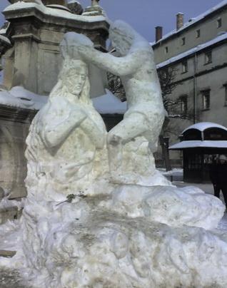 Снігові скульптури у Львові