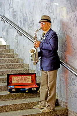 Музикант у переході