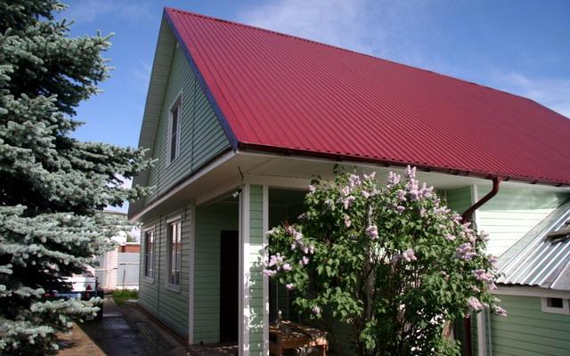 Чим покрити дах на дачі