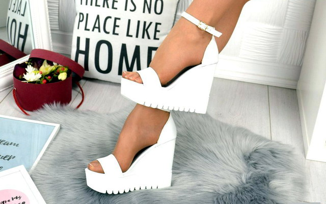 Жіноче взуття на літо