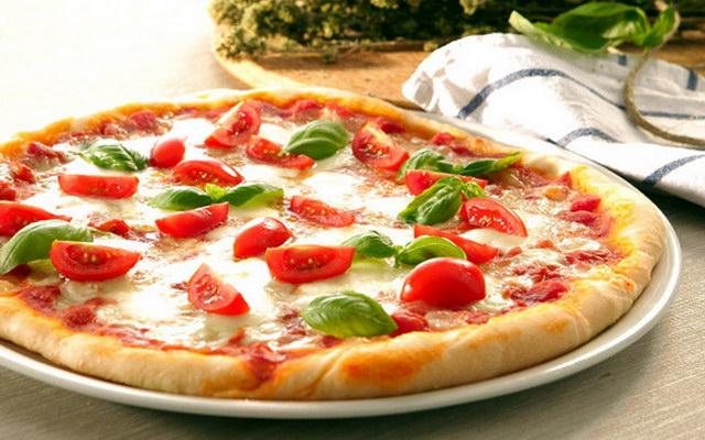 Як швидко приготувати італійську піцу