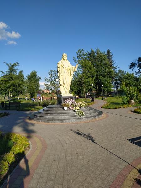 Статуя Христу в Мурованому