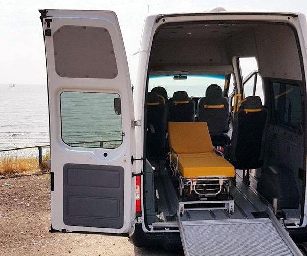 перевезення лежачих хворих Helptaxi
