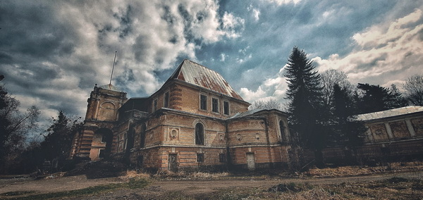 Палац Жеву́ських-Лянцкоро́нських