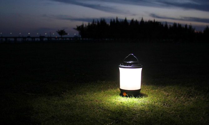 кемпінговий ліхтар