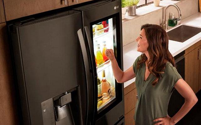 Де знаходиться терморегулятор в холодильнику