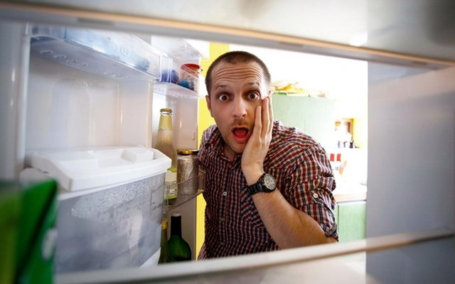 зламався холодильник